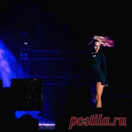 Looking for you...🌠🌠🌠 #dance #girl #ladyinblack  #гдетыгдея #краснодар