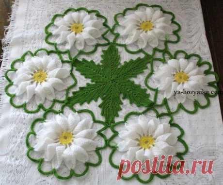Beautiful napkin from flower motives. Volume motives a scheme hook the Beautiful napkin from flower motives. Volume motives for a napkin a hook