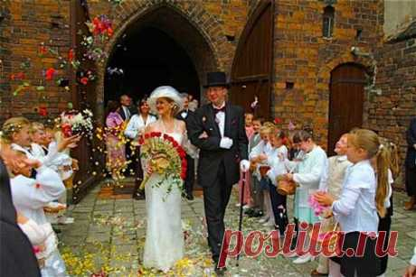 The most unusual love and wedding traditions