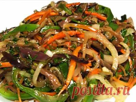 Баклажаны по-корейски (закуска) Эта вкуснейшая закуска готовится 2-3 дня!!! Надо набраться терпения, но приготовить ее стоит. Думаю, не пожалеете... Нам понадобится: 4 баклажана 2