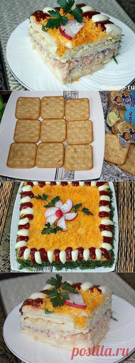 Рыбный салатик - торт с крекерами. - Простые рецепты Овкусе.ру