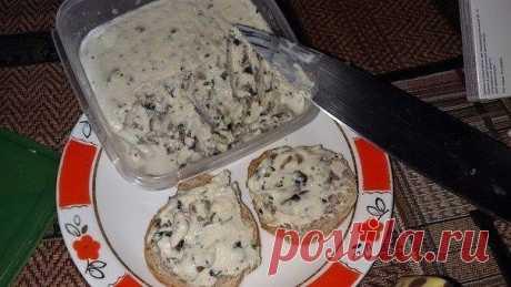 Домашний сыр -намазка с добавками  Нужно: 250 гр творога (лучше домашнего), 2 ст л сметаны (тоже домашней), 1 яйцо, 0,5 ч л соли, сода на кончике ножа. Добавки любые - грибы, паприка, ветчина. Все продукты (кроме добавки) перемешиваем…