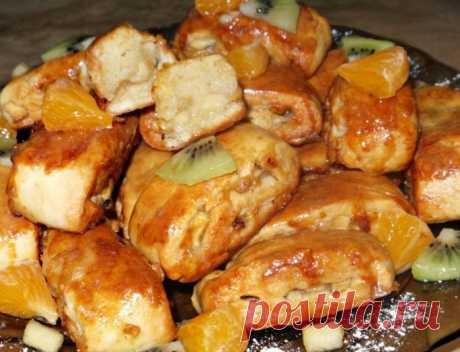 Нежное, мягкое, и очень вкусное яблочное печенье с корицей      Божественно!          Ингредиенты: Мука — 2 стаканаМасло сливочное или маргарин — 50 гСметана — 3 ст. л.Масло растительное — 3 ст. л.Яйцо — 1 штСахар — 80 гСода — 0,5 ч. л.Соль щепоткаДля начинки…