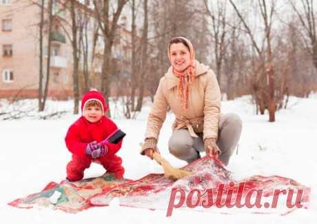 Чистим ковер снегом! Самое приятное в зимней уборке — Полезные советы