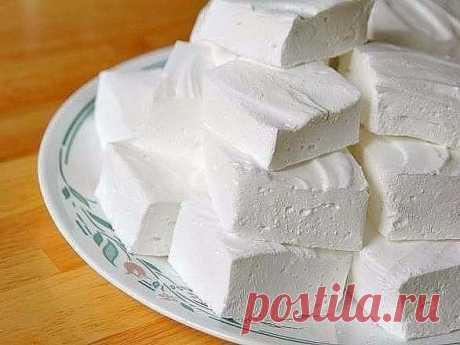 Домашний зефир Низкокалорийный десерт, который содержит всего 80 ккал на 100 гр, легко приготовить самостоятельно. Кроме того что такая сладость не навредит фигуре, она еще и безумно вкусная!Ингредиенты:- кефир - 1…