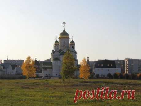 Осень. Храм Иоанна Богослова. Алтай. Барнаул