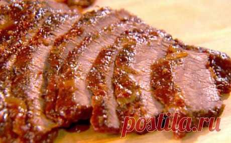 Сочная и ароматная, запеченная свинина с чесноком. Готовлю на все праздники! Очень вкусно, нужно обязательно попробовать!