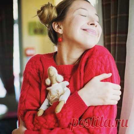 So much happiness from simple things. 👍😸☺️/ Счастье в простых вещах рядом с вами. Умейте радоваться даже мелочам, ведь из них и состоит жизнь в целом😊😸🎁 Заказать эту куклу можно у меня @vermeers_girl  #mytealand #vermeers_girl #handmade #tilda #tilde #tildadoll #beautiful #whitebear #белыймебведь #bm #БМ #красота #куклыручнойработы #игрушкиручнойработы #тильда #счастье #счастьеесть #радостьвмелочах #подарокмосква #подарок23февраля #дети #малыш #ребенок