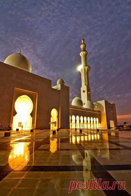 Grand Mosque в Абу-Даби