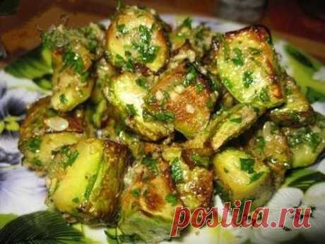 """SUCH VEGETABLE MARROWS DISH DESERVES \""""5+\""""\u000a\u000aVegetable marrows very young 2-3 pieces.\u000a\u000aGas station:\u000a• walnuts 0,5 glasses\u000a• bunch parsley-1\/2\u000a• garlic 2-3 cloves\u000a• olive oil - 1 tbsp.\u000a\u000aVegetable marrows to wash, cut on large pieces, to salt and allow to flow down to juice\u000a\u000aTo fry on sunflower oil, on big fire in a big frying pan, so that vegetable marrows were in one layer.\u000aVegetable marrows are fried, do not razlazitsya and remain crackling, just the fact that it is necessary for us.\u000a\u000aWe prepare gas station:\u000a\u000aTo crush nuts a rolling pin..."""