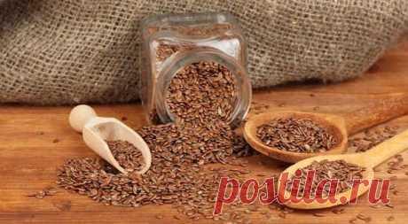 ХУДЕЕМ С ПОМОЩЬЮ ЛЬНЯНЫХ СЕМЯН  Льняное семя для похудения является недорогим, но крайне эффективным и полезным средством для избавления от лишних килограммов. Кроме того, укрепляется иммунитет, приобретается здоровая и нежная кожа, очищается пищеварительная система.  Как правило, семена льна в деле избавления от лишних килограммов используются в составе различных настоев и отваров. Показать полностью…