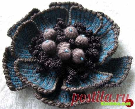 Вязание крючком. Цветок для украшения одежды.