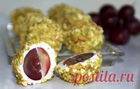 Сырные шарики с виноградом   Готовим вместе