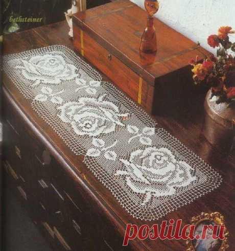 Салфетка узором Филейные розы. Связать салфетку в филейной технике |