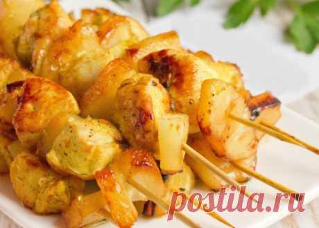 Мини-шашлычки из курицы с ананасом на шпажках | Новости, обзоры, акции в интернет-магазине TOP SHOP