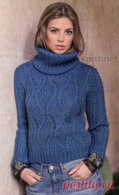 Пуловер синего цвета спицами
