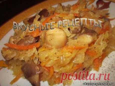 Простой и быстрый рецепт приготовления вкусной солянки с грибами. Не путайте это блюдо с супом, мы готовим тушеную кислую капусту с вешенками