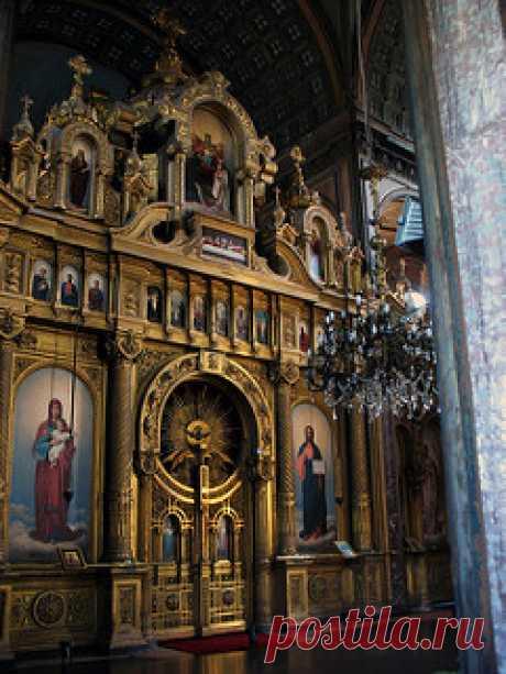 "Altar   Inside St. Stephen of the Bulgars, or the ""iron chur…   Flickr"