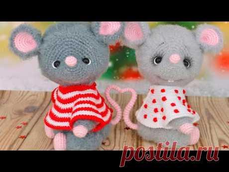 Онлайн по вязанию крючком вязаной игрушки (амигуруми) Влюблённые мышки. - YouTube  Мышонок. Вязаная игрушка. Амигуруми #влюбленныемышки #мышь #мышонок #мышка #вязанаямышка #вязаныймышонок #вязанаяигрушкакрючком #вязаныймышоноккрючком #амигуруми #амигурумимышонок #амигурумиигрушка #амигурумикрючком #вязаниекрючком #вязание #мастерклассповязаниюкрючком #новогодняяигрушка #новыйгод2020 #игрушкасвоимируками