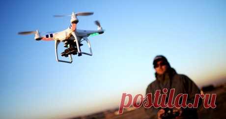 9 самых дорогих дронов в мире (10 фото) | Чёрт побери В настоящее время дроны используют для аэрофотосъемки, слежения и патрулирования объектов, доставки покупок на дом и даже для спасения людей. На днях Минтранс ввел обязательную регистрацию дронов в России. Стоимость беспилотника варьируется в больших пределах, конечно, чем лучше характеристики и шире функциональность, тем дороже аппарат. Сегодня вашему вниманию представляются 9 самых дорогих дронов в мире. 9. Гексакопте...