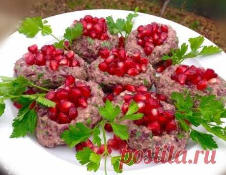Самая узнаваемая закуска грузинской кухни. Остренькая, вкусная и эффектная