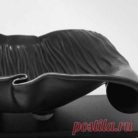 Detail of footed dish #itsinthedetails #stonewarepottery #amacoglazes #rovinceramics