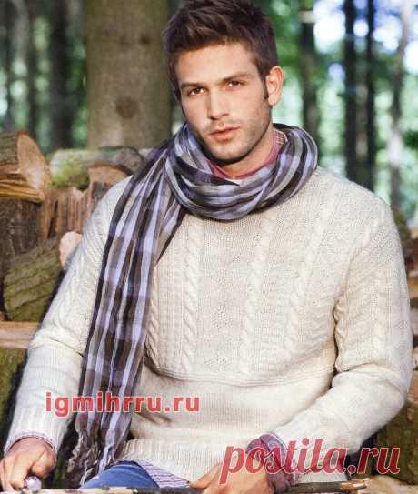 Мужской светлый пуловер с узорами из «кос». Вязание спицами со схемами и описанием