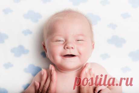 Первые развивающие игры для грудничка - Parents.ru
