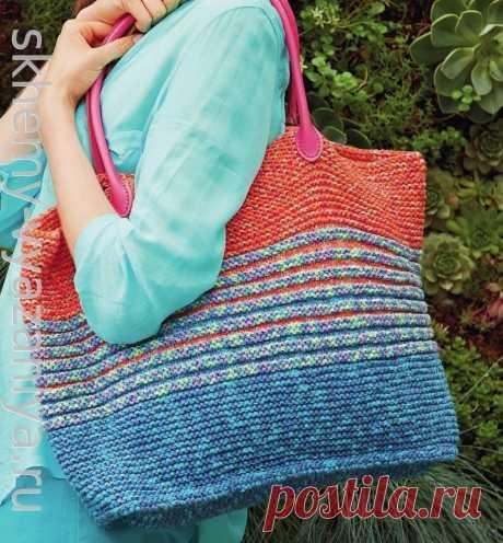 Разноцветная большая сумка в полоску. Схема вязания и описание