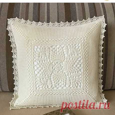 Вязаная крючком наволочка на подушку #crochet #крючком #подушки