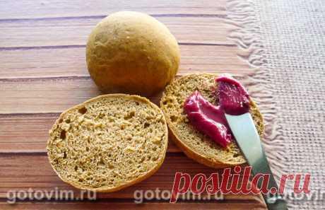 Бородинские булочки к завтраку. Рецепт с фото В рецепте булочек для завтрака используется готовая смесь для бородинского хлеба. Дополнительно к ней добавляют обычную пшеничную муку, и  в результате у вас получатся вкусные, ароматные и нейтральные в плане сладости булочки. Они будут отлично сочетаться и с солоноватым сыром, и со сладким джемом или мёдом.