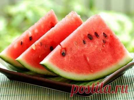 Очень полезные фрукты и ягоды августа:)