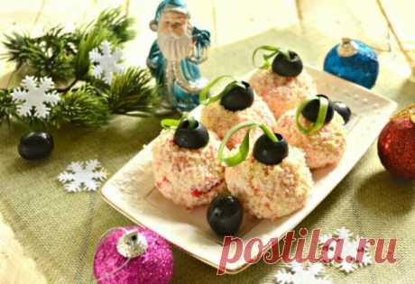На один укус: 3 рецепта закусок на новогодний стол, которые подают в виде шариков