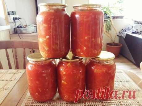 """""""Анкл Бенс"""" Делала первый раз, получилось оччень вкусно! Закатала на зиму 10 л  Для приготовления понадобится:  • кабачки - 2 кг. (кубиками); • болгарский перец - 6 шт. (соломкой); • помидоры - 10 шт. (ломтиками); • лук репчатый 10 шт. (полукольцами); • растительное масло - 1 стак.; • соль - 1 ст.л. с верхом; • сахар песок - 1 стак.; • уксус 9% - 0,5 стак.; • том паста (я использую """"Помидорку"""") - 0,5 л, развести водой до 1 л.  С этого объема продуктов у меня получилось 5 л..."""
