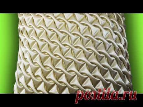Несложно и невероятно красиво! Потрясающая идея интерьерной подушки своими руками/HandiWorks
