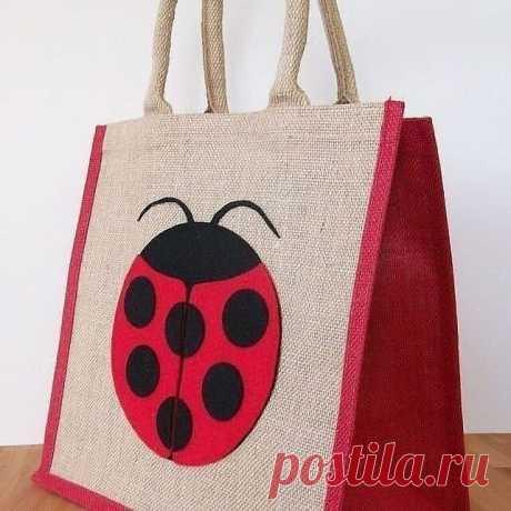 Идеи декора сумок из джутового холста.