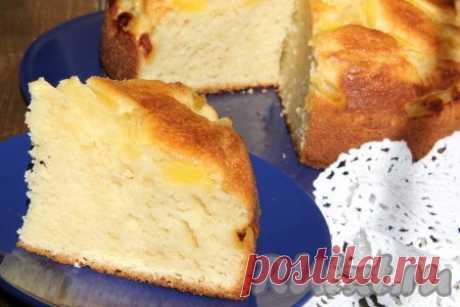 Творожный пирог с ананасами - 9 пошаговых фото в рецепте Хочу поделиться рецептом простого, но в тоже время очень вкусного творожного пирога с кусочками ананаса. Выпечка получается высокой, воздушной, ароматной и просто прекрасной на вкус. Ингредиенты