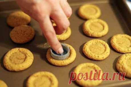 Соленые пампушки — Закусочное печенье «Пуговки» Ароматные, пышные соленые пампушки отлично дополнят Ваш обеденный стол. Их можно подать с тарелочкой горячего борща или отдельно, в качестве самостоятельной закуски.