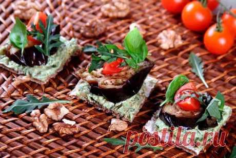 Бутерброды с баклажанами и помидорами – пошаговый рецепт с фото.