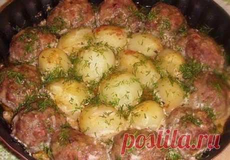 Kotletukai su bulvėmis grietinės-pomidorų padaže. Laiko ir pinigų ekonomija! Kotletukai su bulvėmis grietinės-pomidorų padaže. Laiko ir pinigų ekonomija! - patiekalas, kurį nesunkiai pasigaminsite pagal šį receptą. Daug gerų, išbandytų receptų, kuriuos privalai išmėginti!