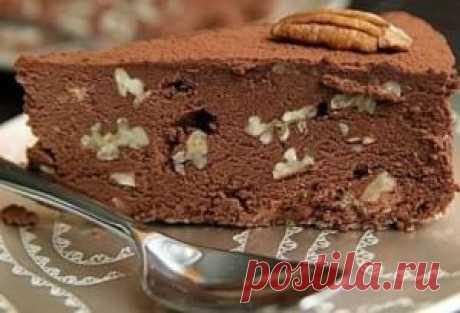 Трюфельный шоколадный торт с орехами без выпечки |