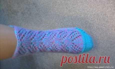 Очаровательные ажурные носочки на двух спицах - удобная и красивая модель
