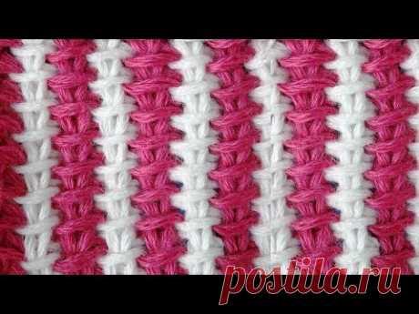 La cinta bicolor de Tunicia de la labor de punto