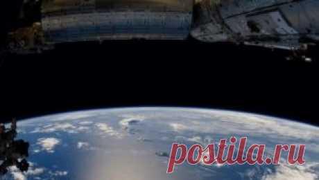 En la órbita de la Tierra de la cámara del satélite NASA han quitado el OVNI enorme | el Periódico «DAILY»
