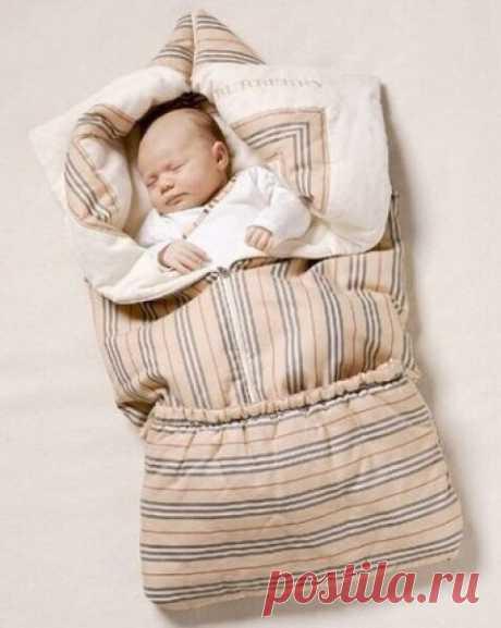 ОДЕЯЛО-ТРАНСФОРМЕР   Хочу предложить вам сшить интересный вариант одеяла для малыша. Такое одеяло очень удобно. Оно может стать конвертом, в котором ребенку будет тепло и комфортно.   Для такого замечательного изобретения нам понадобятся:   - х/б ткань длиной 180 см и шириной 140-150 см,   - синтепон – его размер зависит от количества слоев,   - резинка длиной 50 см,   - косая бейка 1 метр,   - молния 2 штуки – разъемная длиной 50-55 см, и обычная длиной 20-25 см.   Расцве...