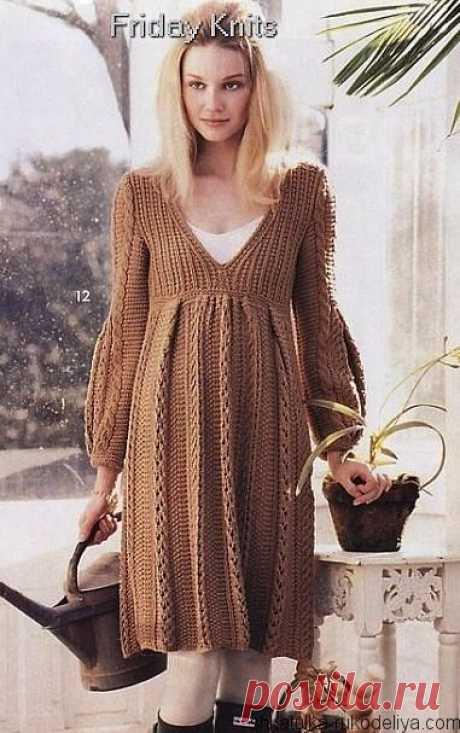 Платье со складками Платье спицами со складками. Модель с завышенной талией для беременных