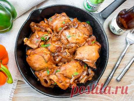Курица адобо на Вкусном Блоге Наконец-то добралась я до того, чтобы отснять этот рецепт. Это еще одно азиатское блюдо – на этот раз родом с Филиппин. Адобо – это не конкретное блюдо, а способ приготовления разных продуктов с соевым соусом и уксусом. Я решила взять самое простое сочетания и жертвой назначила курицу. У меня были…