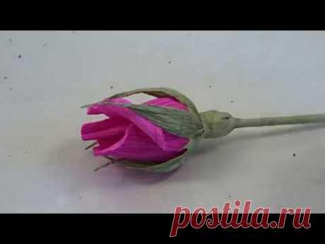 Бутон розы с конфеткой.