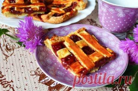 Пирог с клубничным вареньем рецепт с фото пошагово - 1000.menu