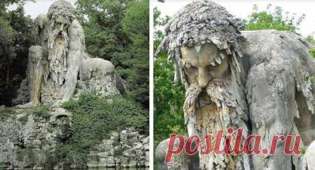 Гигантская скульптура «Колосс» 16-го века во Флоренции, Италия!  Этот эпический колосс, наполовину человек, наполовину гора, был построен в конце 1500-х годов известным итальянским скульптором Джамболоно как символ скалистых гор Италии.